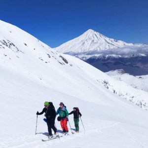 travel-iran-top-iran-tour-mount-damavand-ski-tour-doberar-ridge-lasem-01